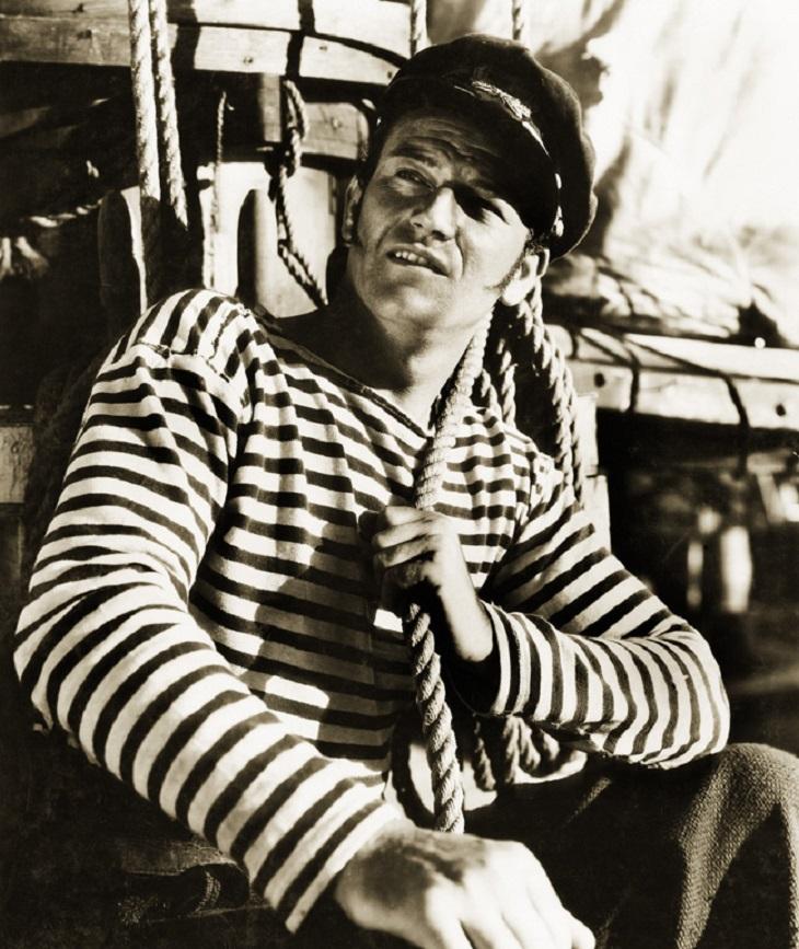 Porter la marinière homme, pour faire son marin 4
